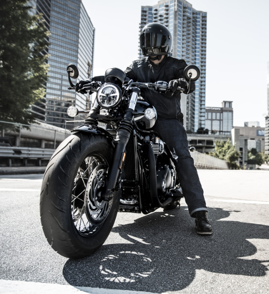 2018 Triumph Bonneville Bobber Black 2018 Rider