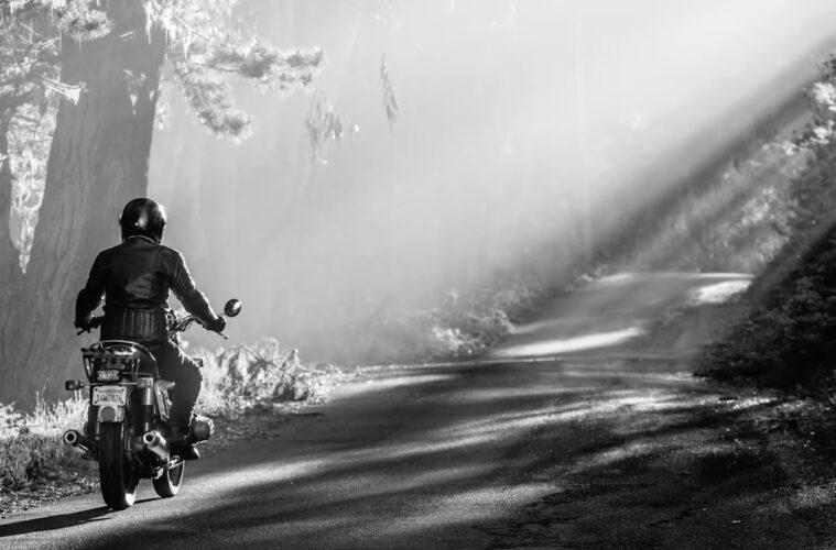 Stories of Bike - Trina Cuseo BMW R90/6
