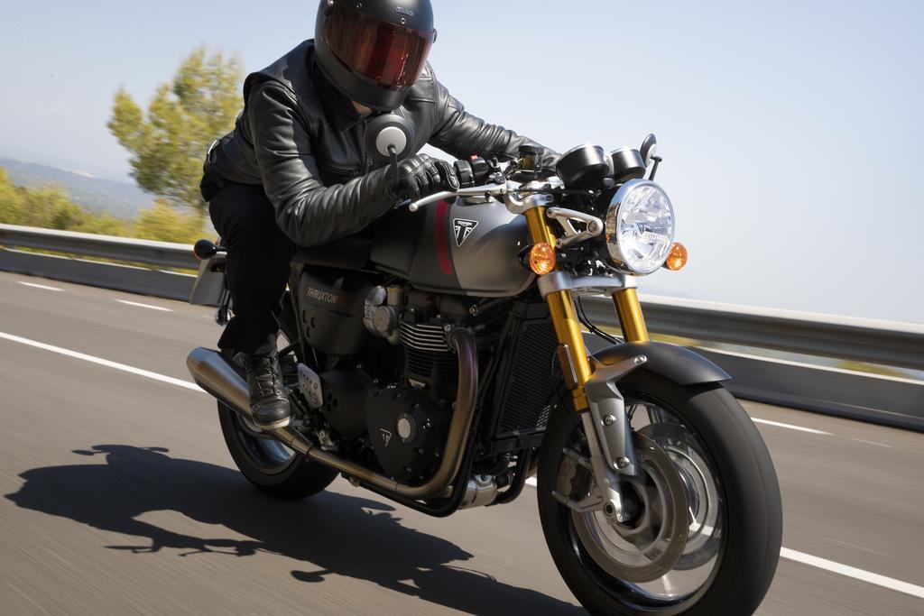 Triumph Thruxton-RS Lighter