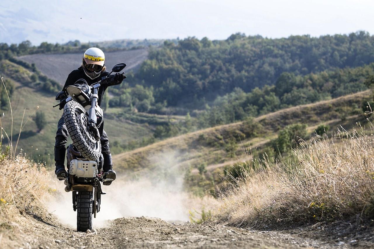Ducati Scrambler Desert Sled wheelie