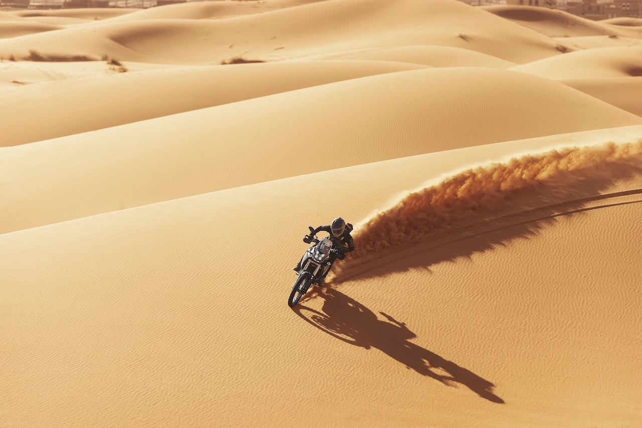 Rider on Yamaha Ténéré 700 2019 in the desert