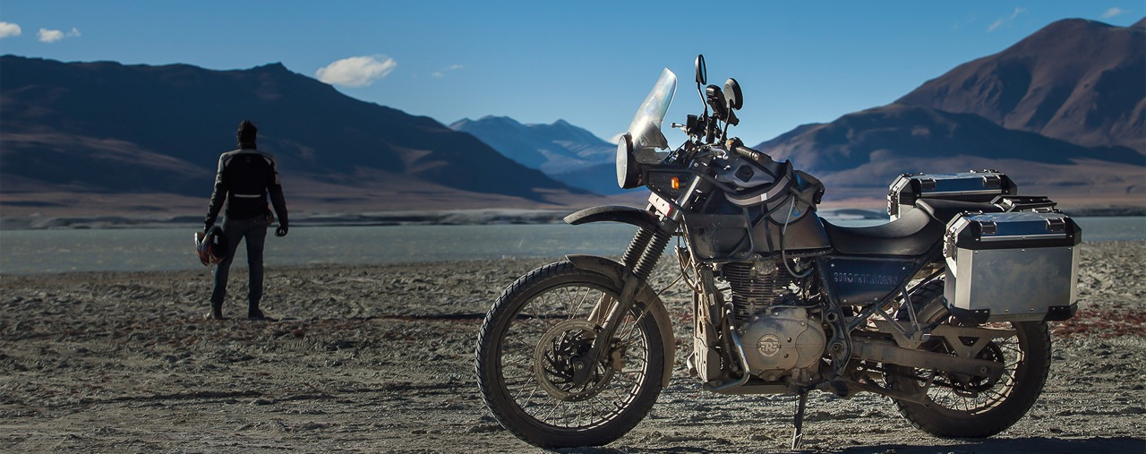 Royal Enfield Himalayan with panniers-2
