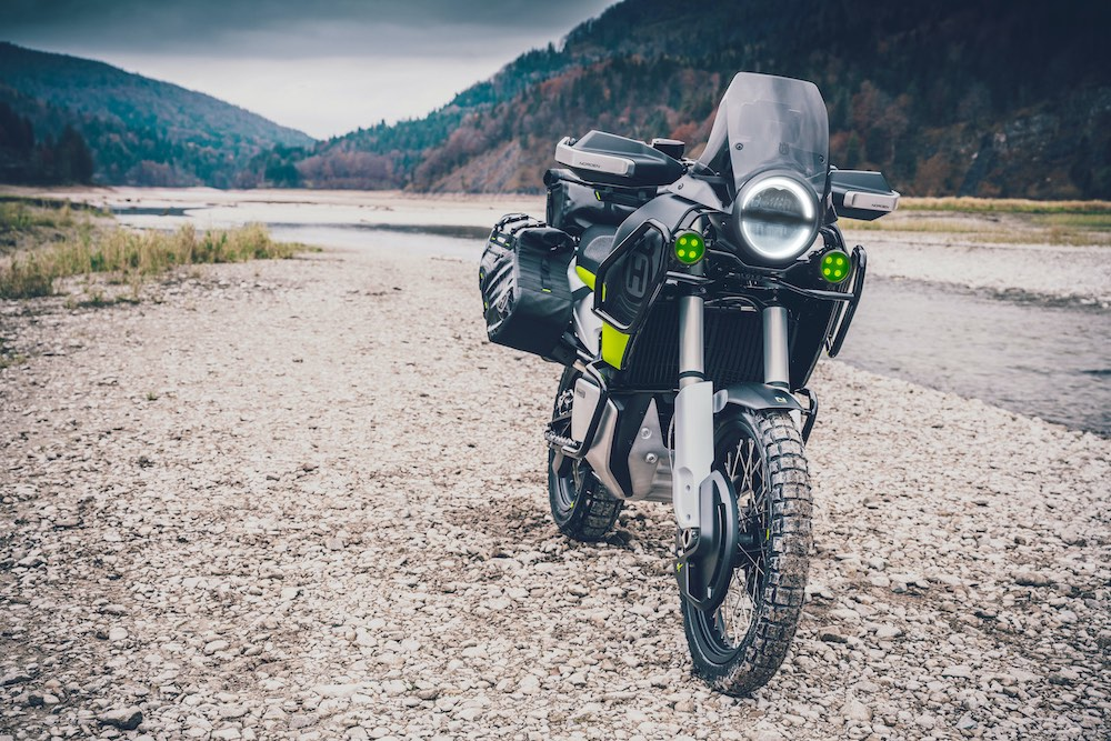 Neo retro Enduro Adventure Motorcycle Husqvarna Norden 901