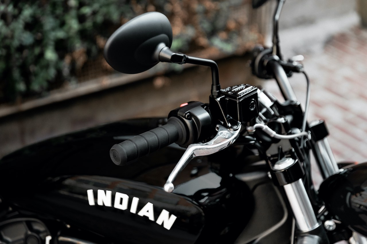Handlebar and Tank - Indian-Scout Bobber Sixty
