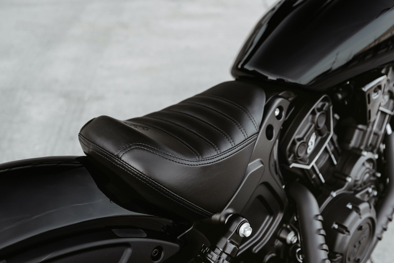 Indian Scout Bobber Sixty black seat