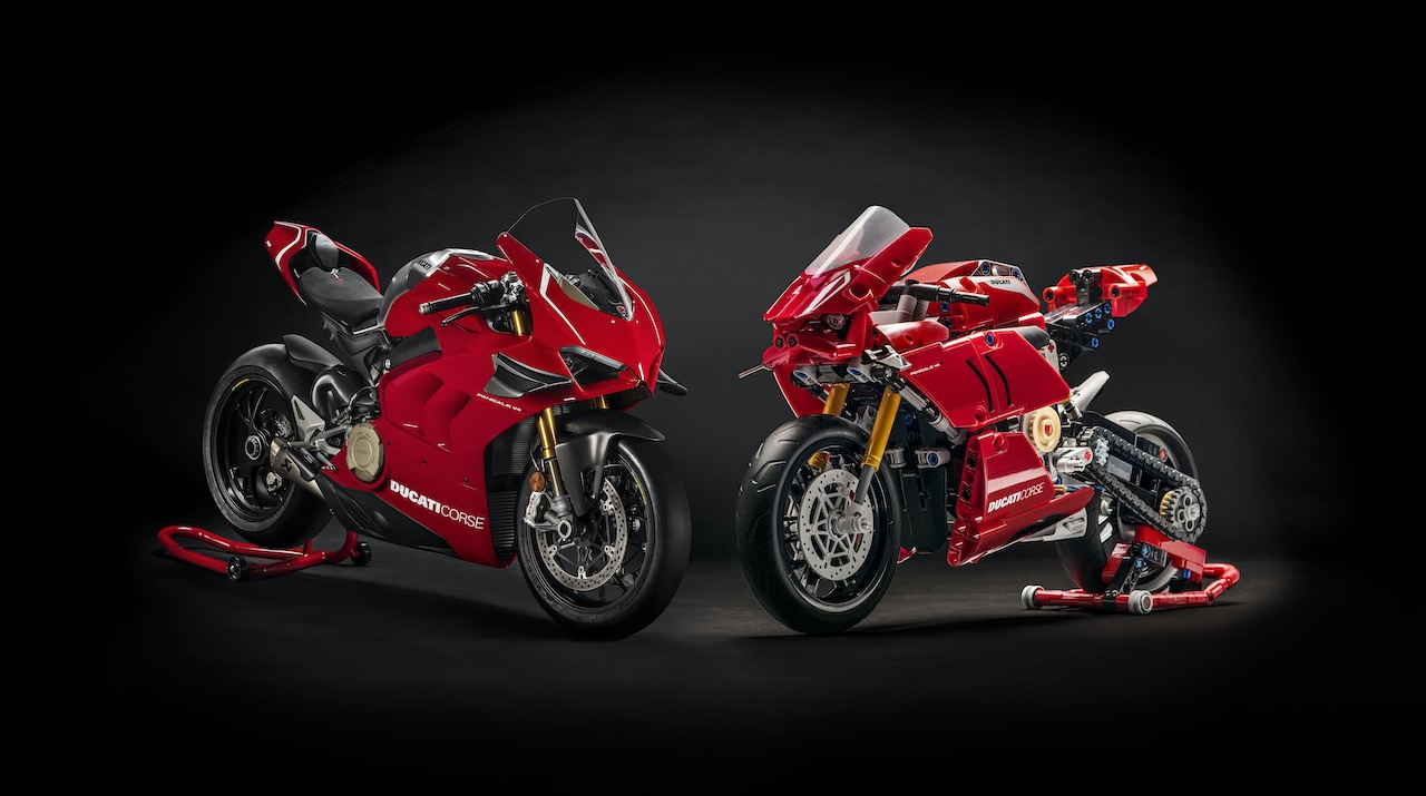 LEGO Technic Ducati Panigale V4 R -Reproduction Se