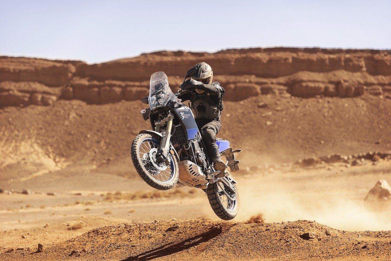 Yamaha Ténéré 700 wheelie in the desert